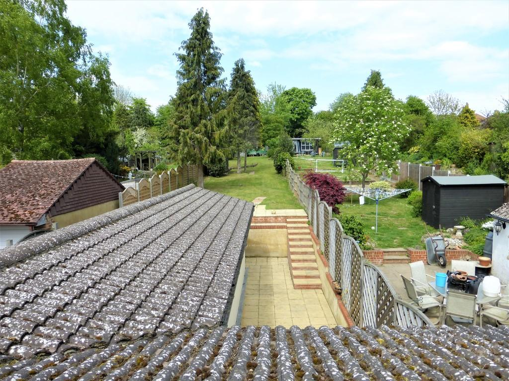 4 Bedrooms Semi Detached House for sale in Bull Orchard, Maidstone