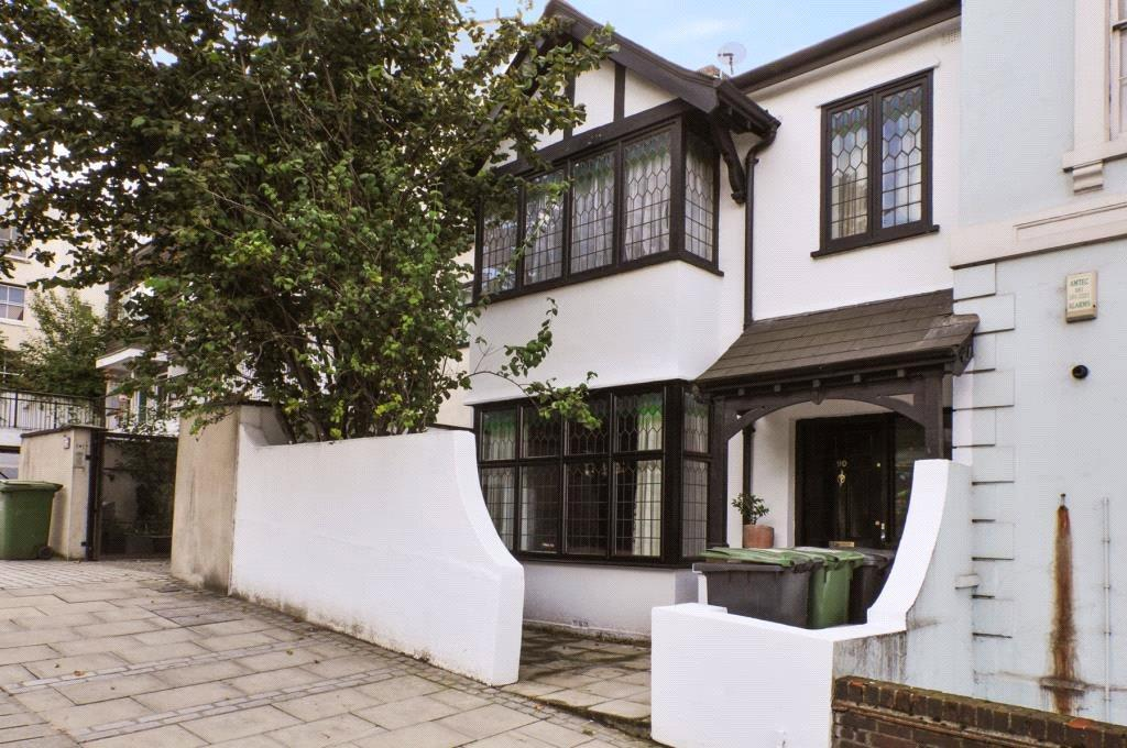 2 Bedrooms Flat for sale in Blackheath Hill, Greenwich, London, SE10