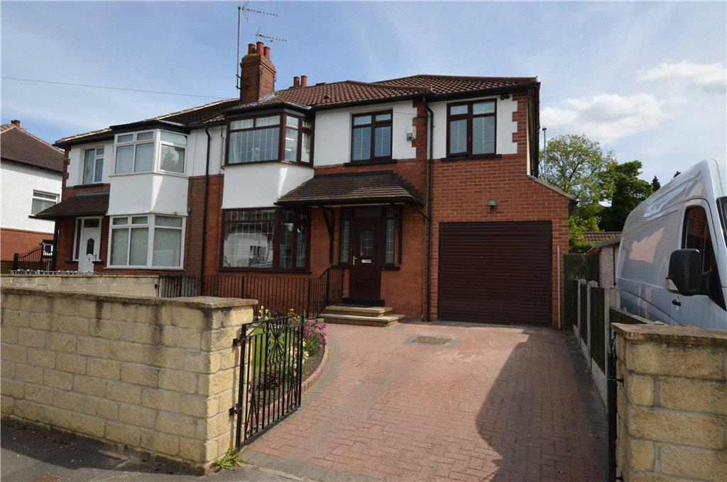 4 Bedrooms Semi Detached House for sale in Well House Crescent, Roundhay, Leeds