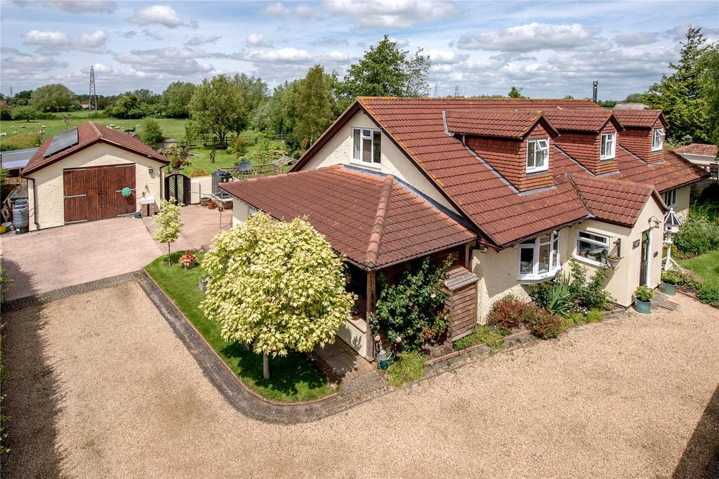 4 Bedrooms Bungalow for sale in Fordgate, Bridgwater, Somerset, TA7