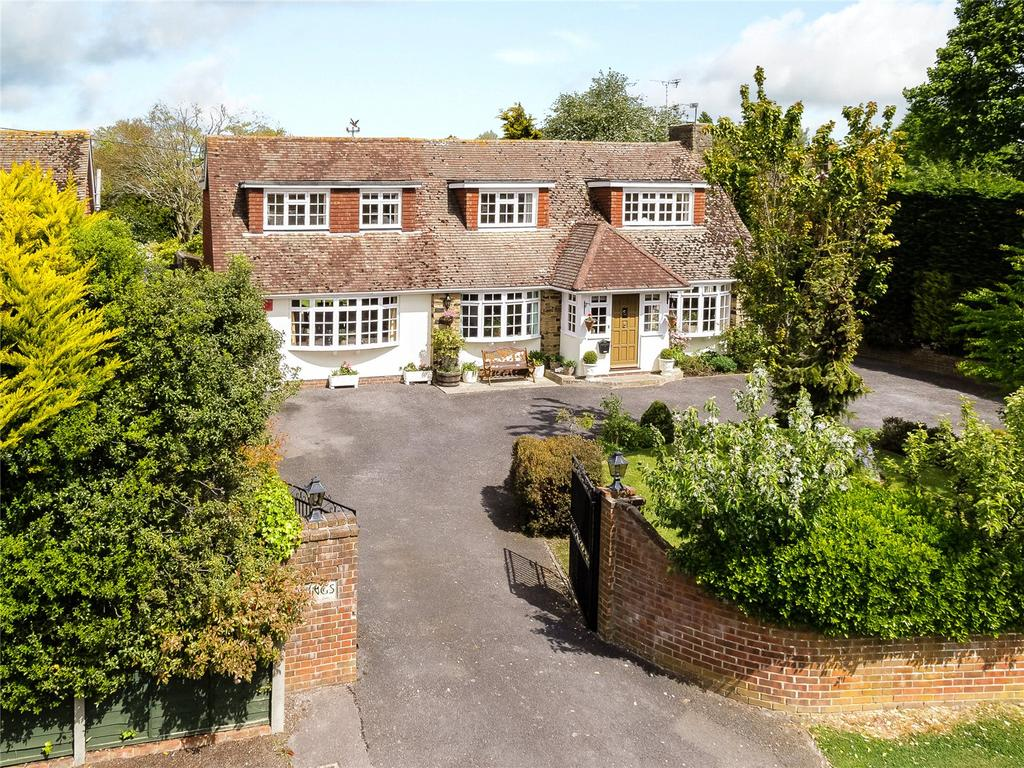 5 Bedrooms Detached House for sale in Chestnut Walk, Tangmere, Chichester, West Sussex