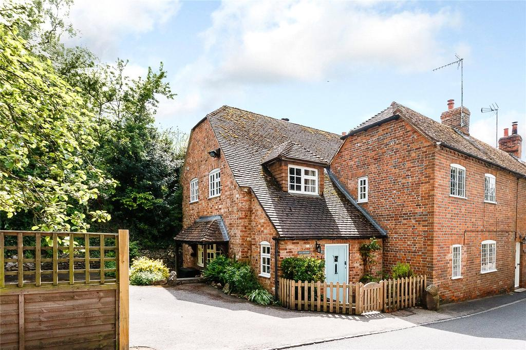 4 Bedrooms House for sale in Newbury Street, Kintbury, Hungerford, Berkshire