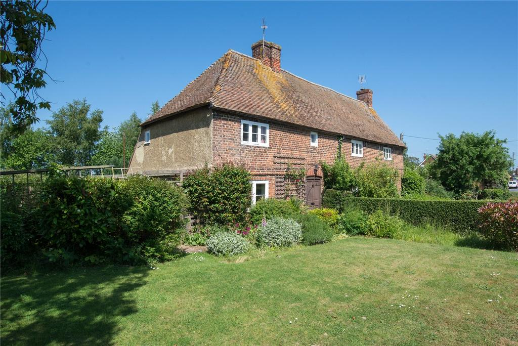 4 Bedrooms Detached House for sale in Lucketts Cottages, The Street, Preston, Canterbury