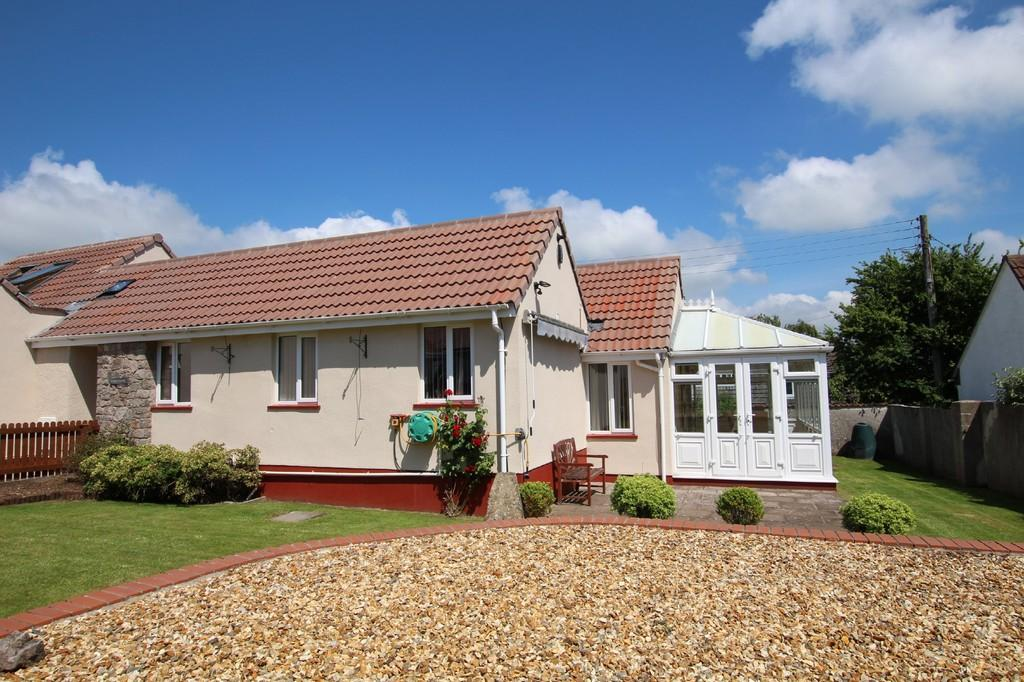 2 Bedrooms Semi Detached Bungalow for sale in Garston Lane, Blagdon