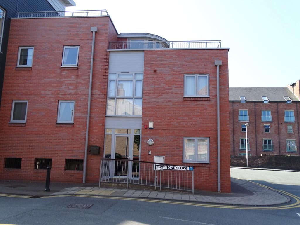 2 Bedrooms Town House for sale in Shot Tower Close, Chester