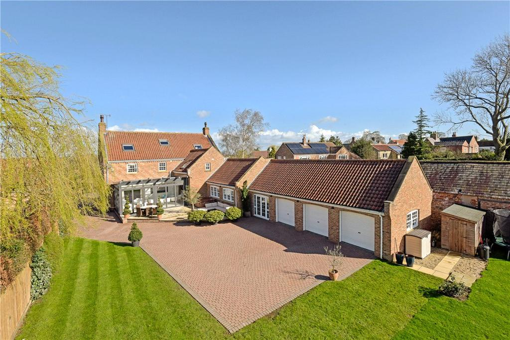 6 Bedrooms Detached House for sale in Grange House, Main Street, Bickerton, Near Wetherby, LS22