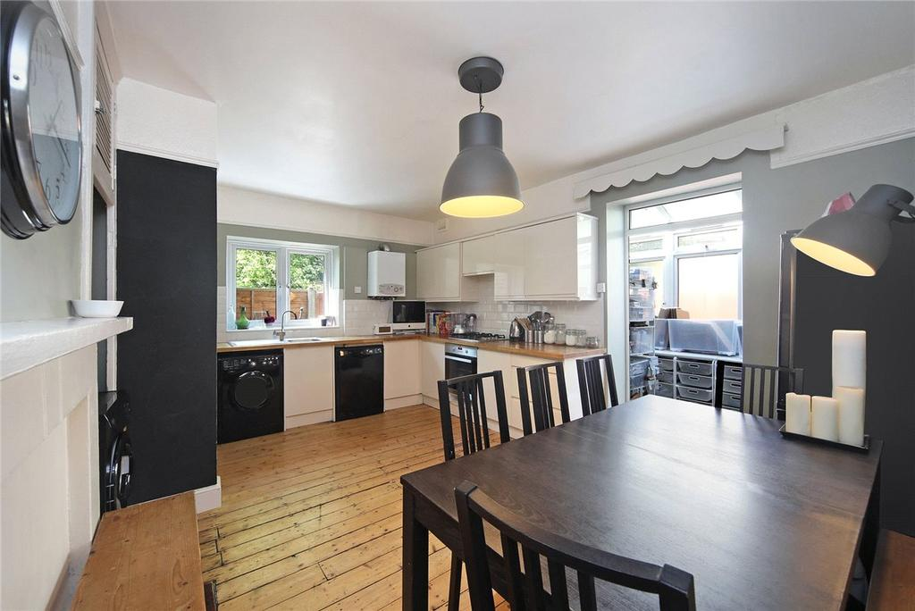 2 Bedrooms Maisonette Flat for sale in Fulham Palace Road, London, SW6