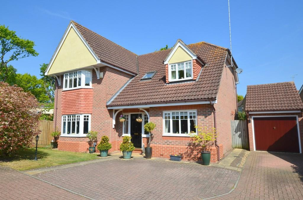 4 Bedrooms Detached House for sale in Rush Close, Rushmere St. Andrew, IP4 5HH