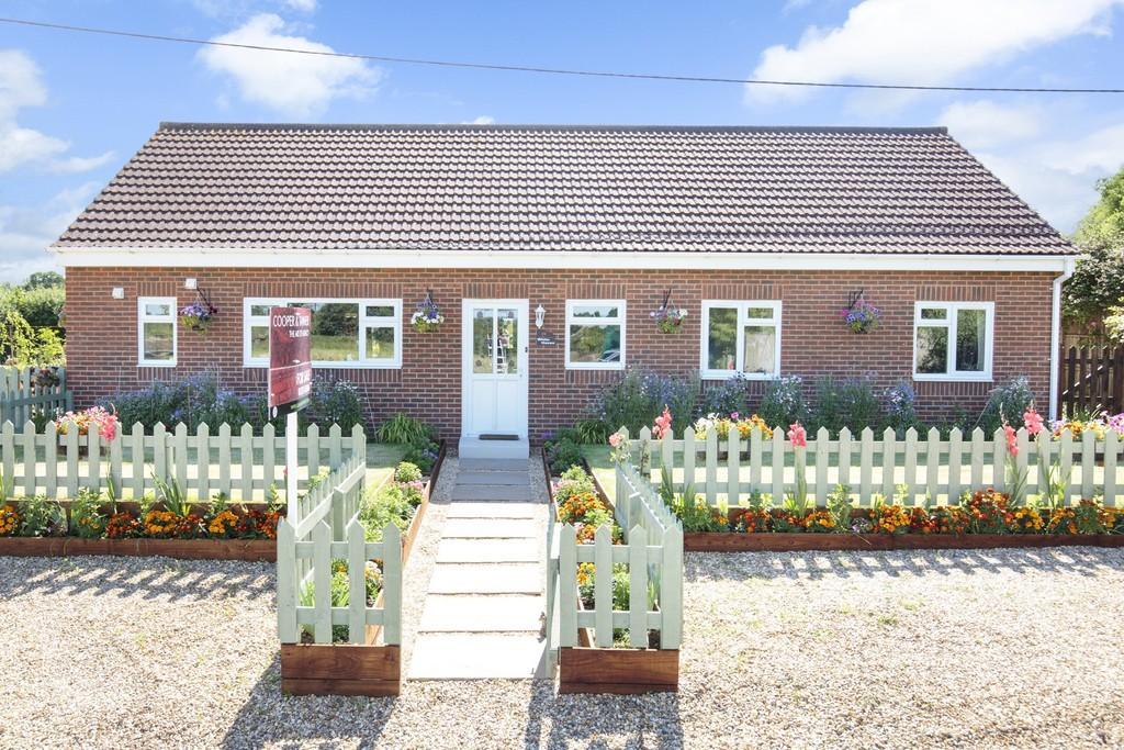 4 Bedrooms Detached House for sale in Hoggington Lane, Southwick