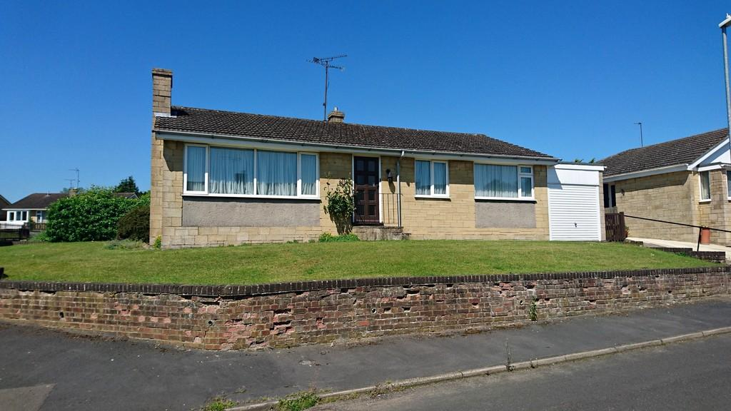 3 Bedrooms Detached Bungalow for sale in Bridgewater Rise, Brackley