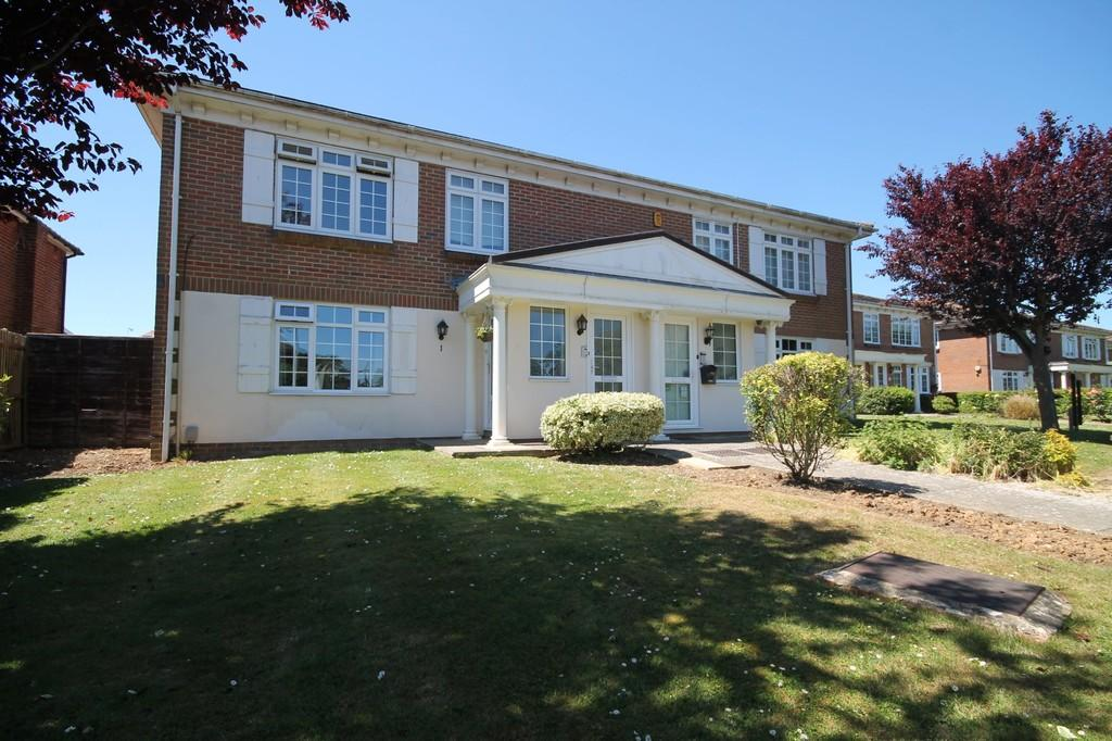 2 Bedrooms Flat for sale in Ravenswood Court, Church Road, Worthing BN13 1EX