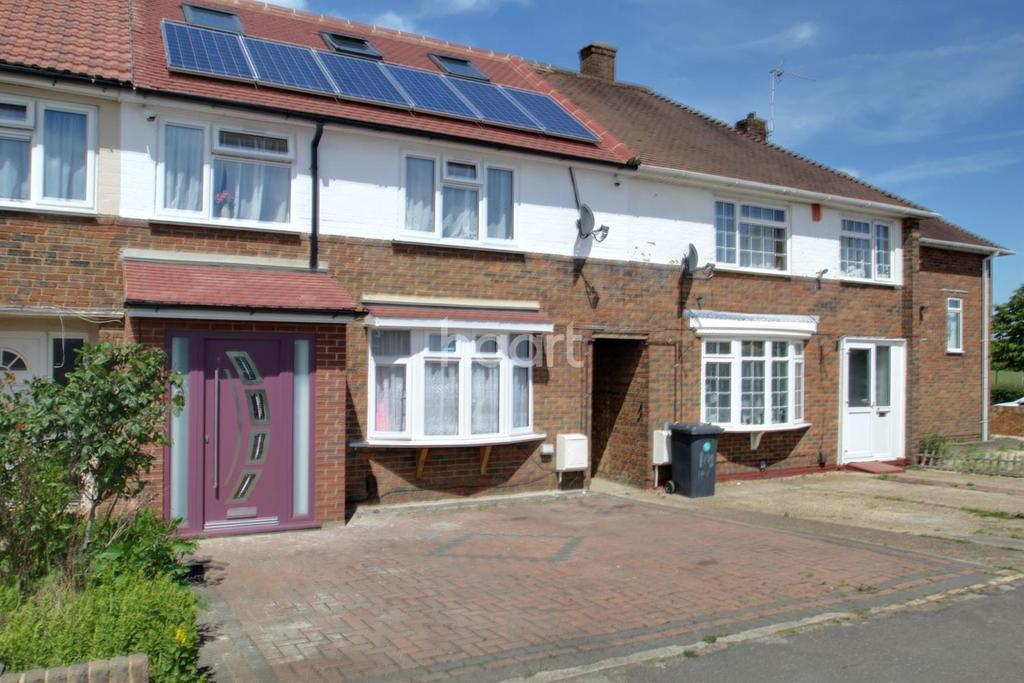 4 Bedrooms Semi Detached House for sale in Long Furlong Drive
