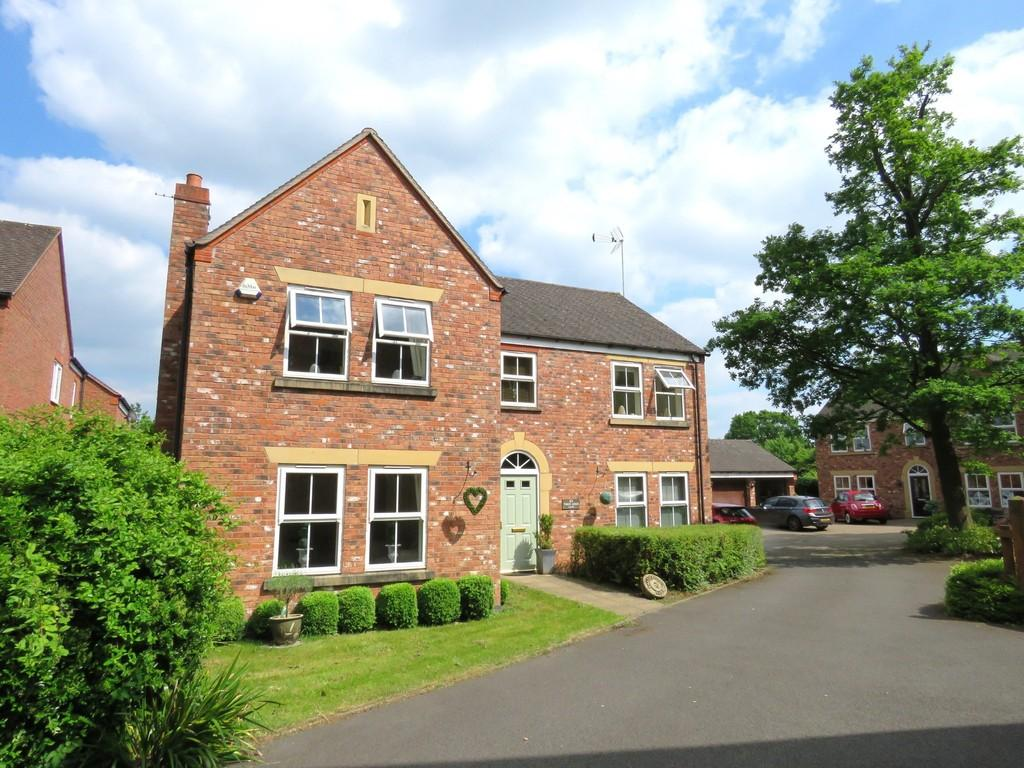 5 Bedrooms Detached House for sale in Three Acres Lane, Dickens Heath