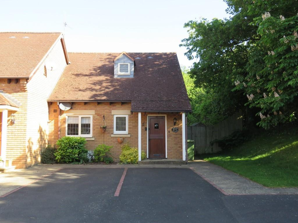 2 Bedrooms Semi Detached House for sale in The Spinney, Solihull