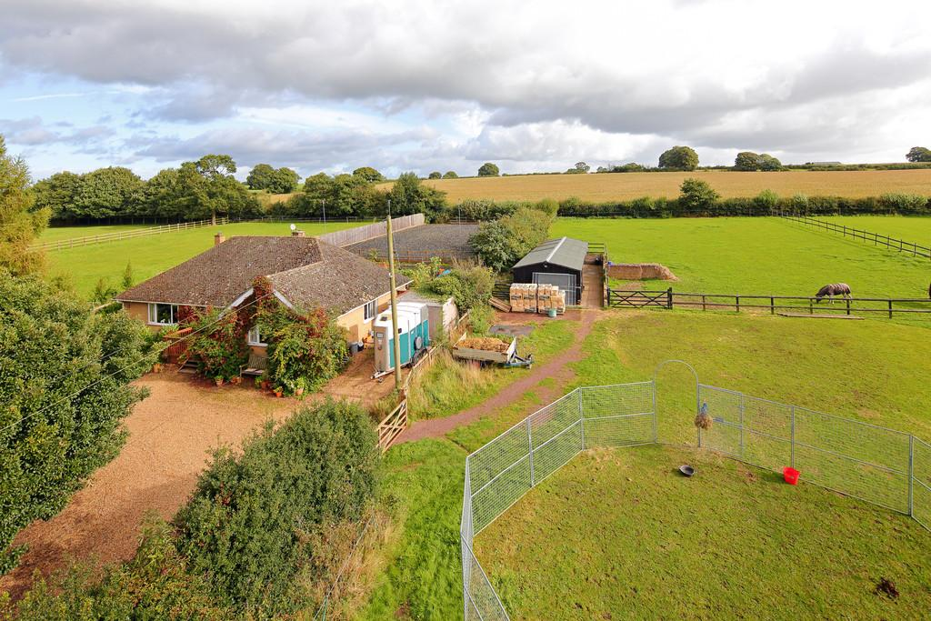 3 Bedrooms Detached Bungalow for sale in Lockley Wood