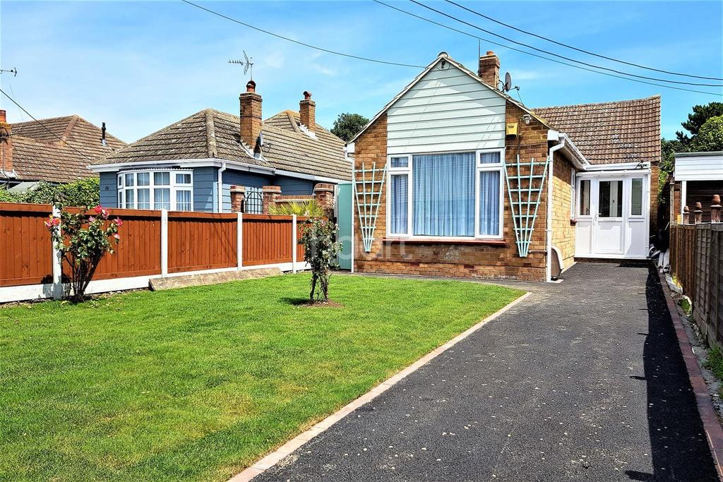 2 Bedrooms Bungalow for sale in St Osyth