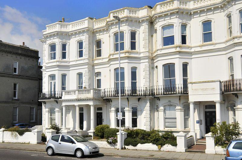 2 Bedrooms Flat for sale in Marine Parade, Worthing