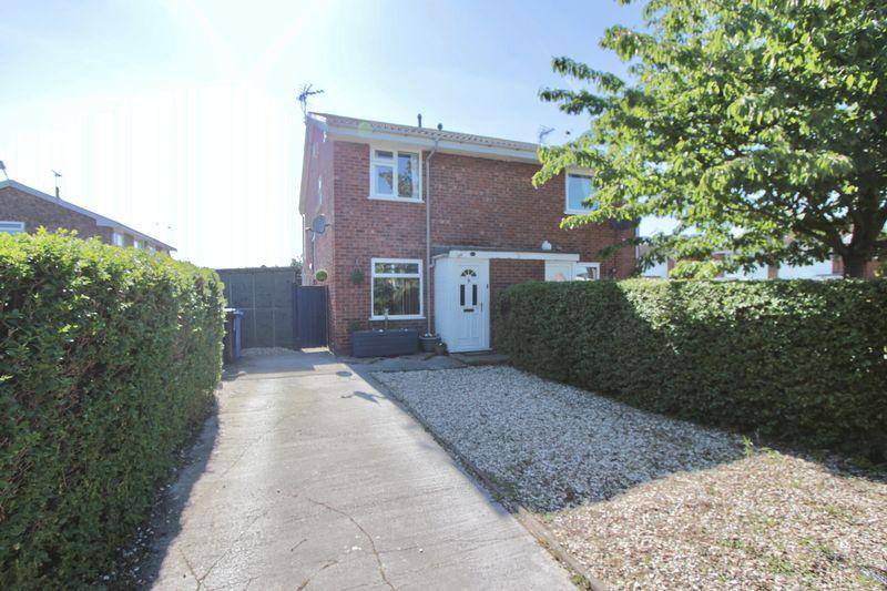 2 Bedrooms Semi Detached House for sale in Lon Gwyndaf, Prestatyn