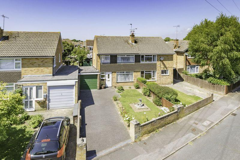 3 Bedrooms Semi Detached House for sale in East Preston