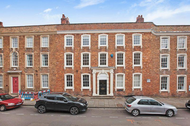 2 Bedrooms Flat for sale in Castle Street, Bridgwater