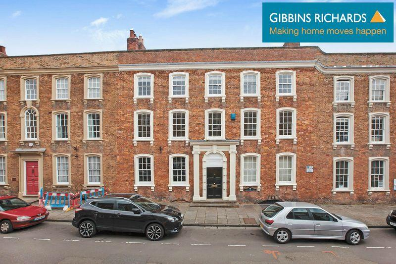 2 Bedrooms Flat for sale in Castle Street, Bridgwater