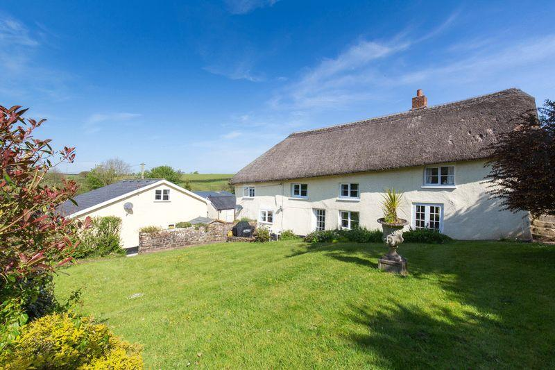 4 Bedrooms Detached House for sale in Black Dog, Crediton