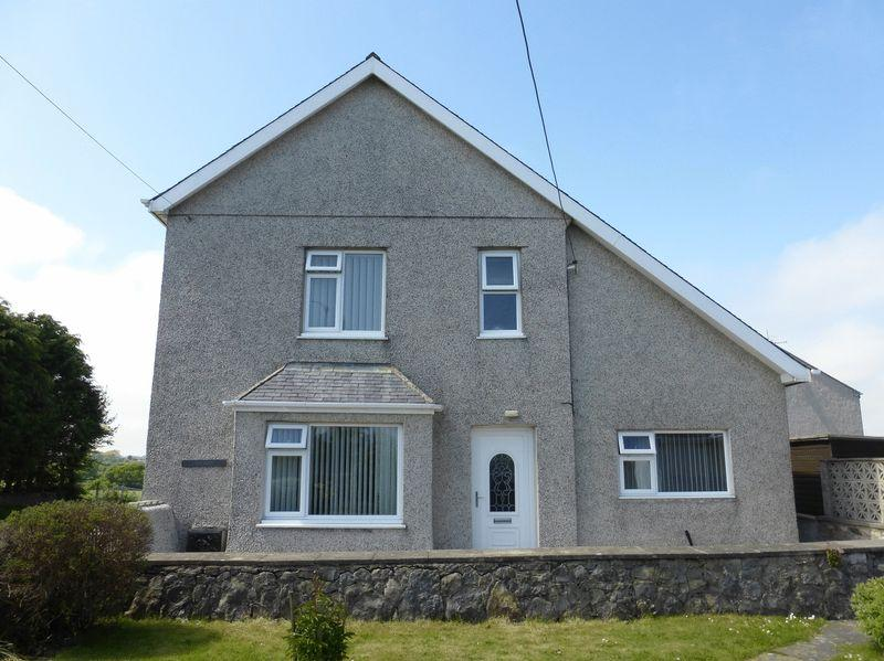 4 Bedrooms Detached House for sale in Llangefni