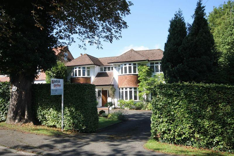 6 Bedrooms Detached House for sale in FETCHAM