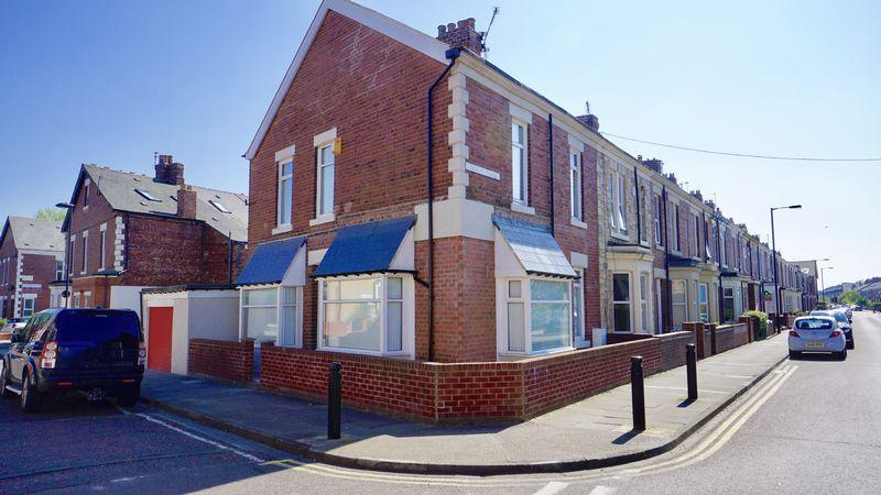 3 Bedrooms Terraced House for sale in SECOND AVENUE, Heaton