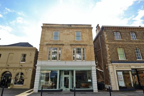 2 bedroom apartment to rent - Immediate access to the eclectic shops and Resturants of Hill Road in Clevedon