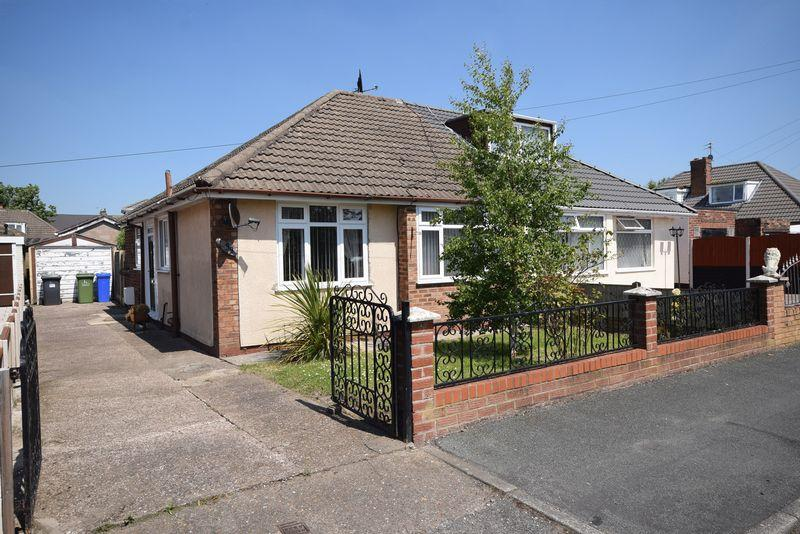 2 Bedrooms Bungalow for sale in Heathview Road, Widnes