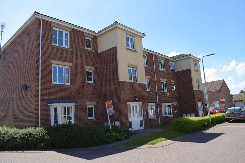 2 Bedrooms Apartment Flat for sale in Pennistone Place, Scartho Top Grimsby