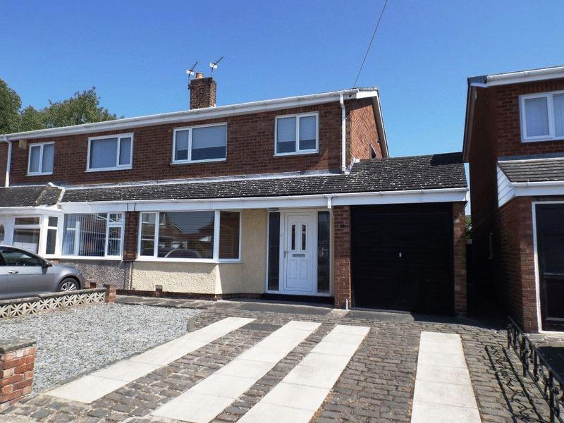 3 Bedrooms Semi Detached House for sale in Eden Grove, Morpeth