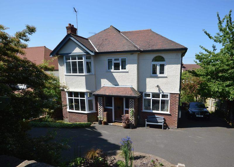 4 Bedrooms Detached House for sale in Village Road, West Kirby