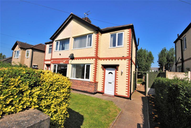 2 Bedrooms Semi Detached House for sale in Macdonald Road, Moreton