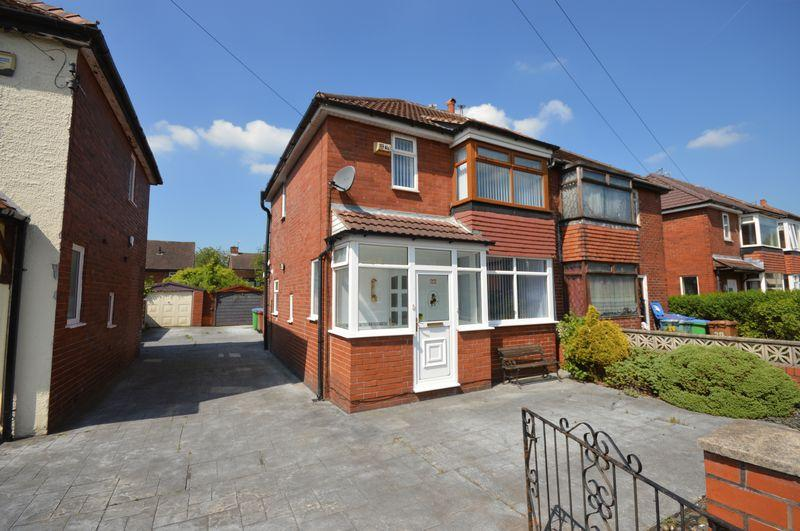 3 Bedrooms Semi Detached House for sale in Monmouth Street, Manchester
