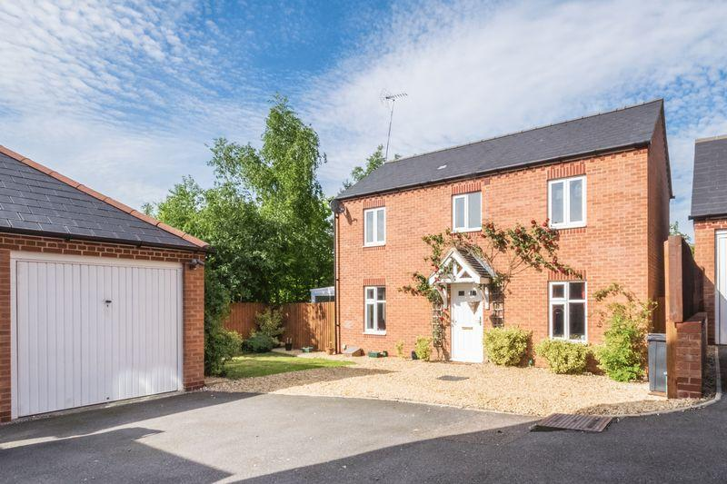 3 Bedrooms Detached House for sale in Glovers Lane Raunds