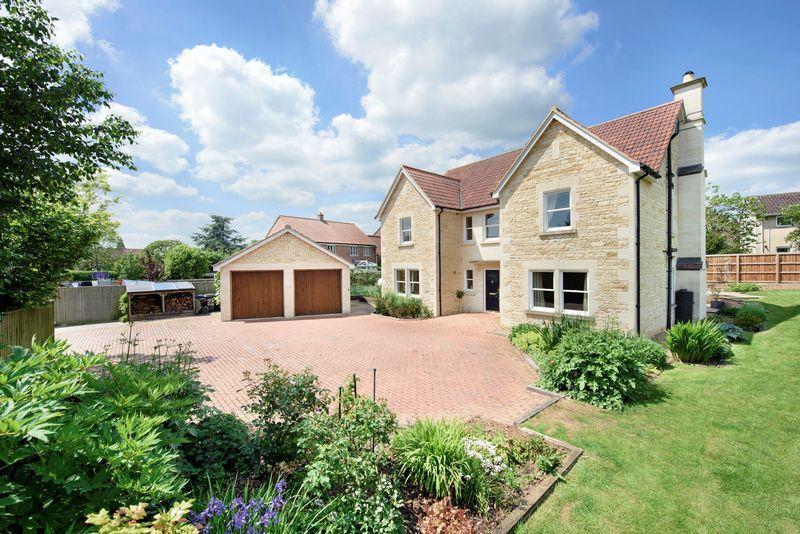 5 Bedrooms Detached House for sale in Holt