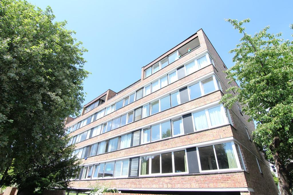 2 Bedrooms Flat for sale in High Kingsdown, Kingsdown, Bristol, BS2