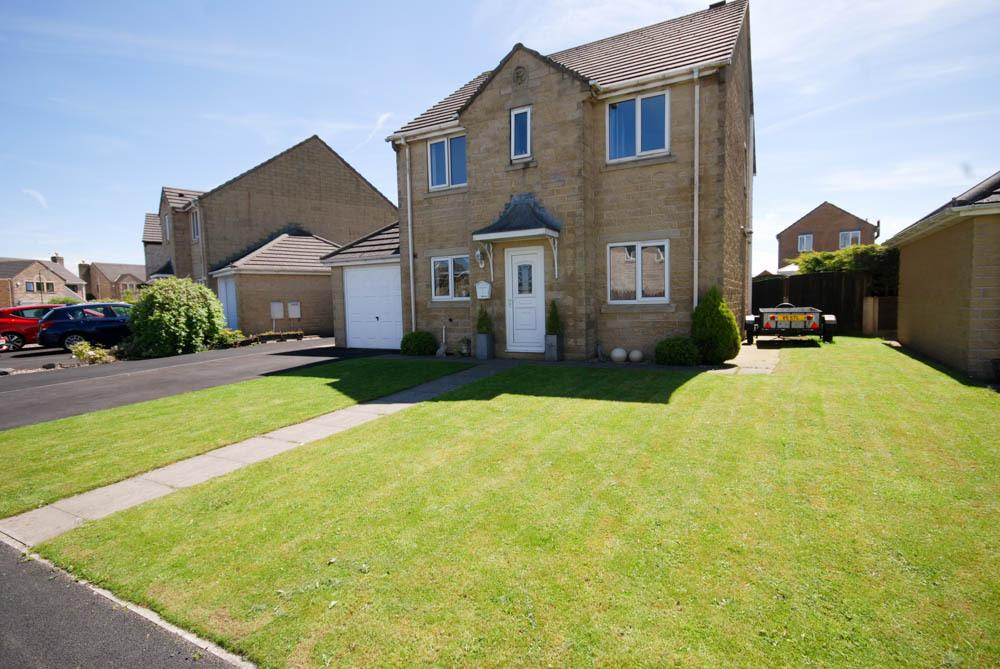 4 Bedrooms Detached House for sale in The Meadows, Dove Holes,