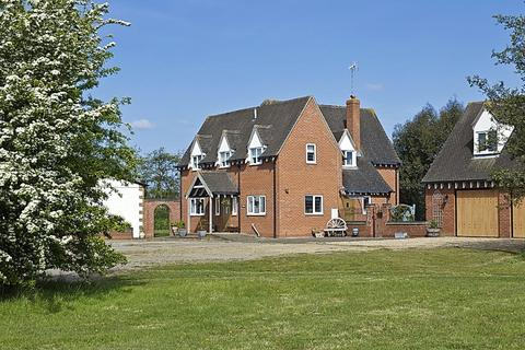 Farm for sale - Hawk Farm, Colchester Road, Weeley, Essex, CO16