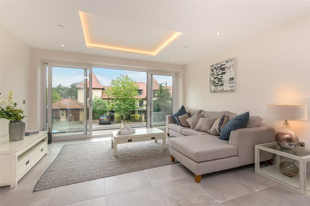 4 Bedrooms House for sale in 7A, Alton Road, Poole, Dorset, BH14