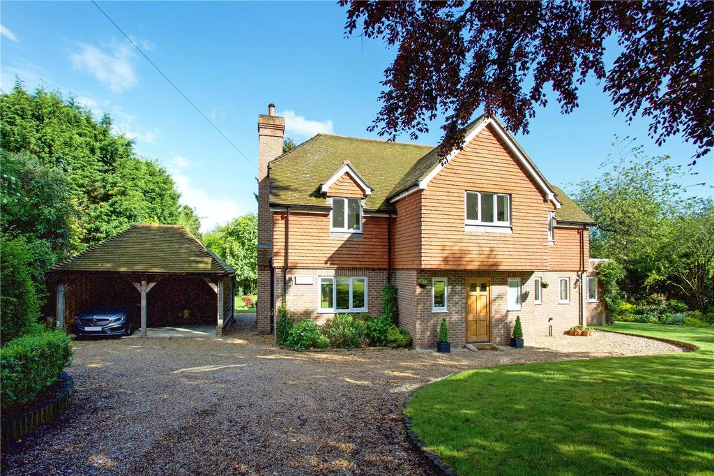 5 Bedrooms Detached House for sale in The Drive, Maresfield Park, Nr. Uckfield, East Sussex, TN22