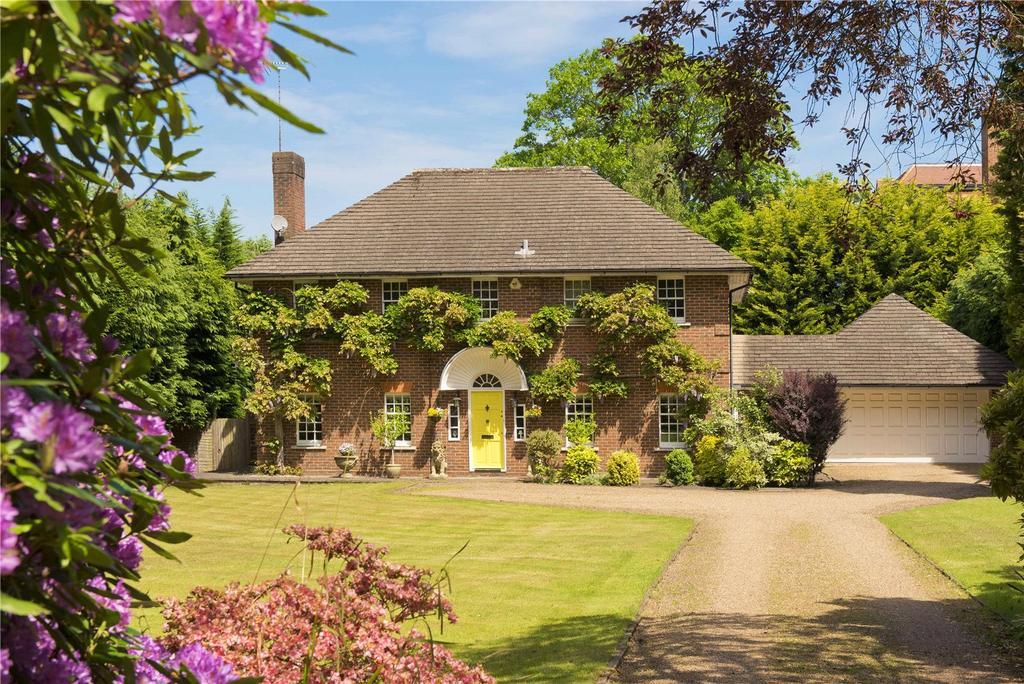 5 Bedrooms Detached House for sale in Granville Road, St George's Hill, Weybridge, Surrey, KT13