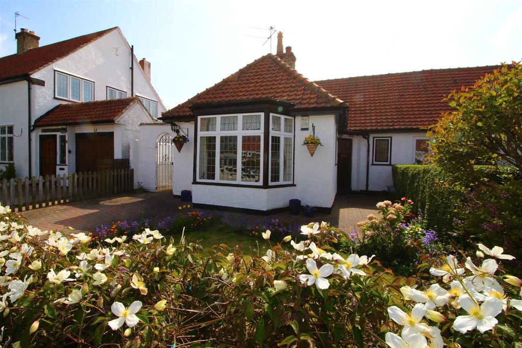 2 Bedrooms Semi Detached Bungalow for sale in Cauldwell Close, Monkseaton, Whitley Bay