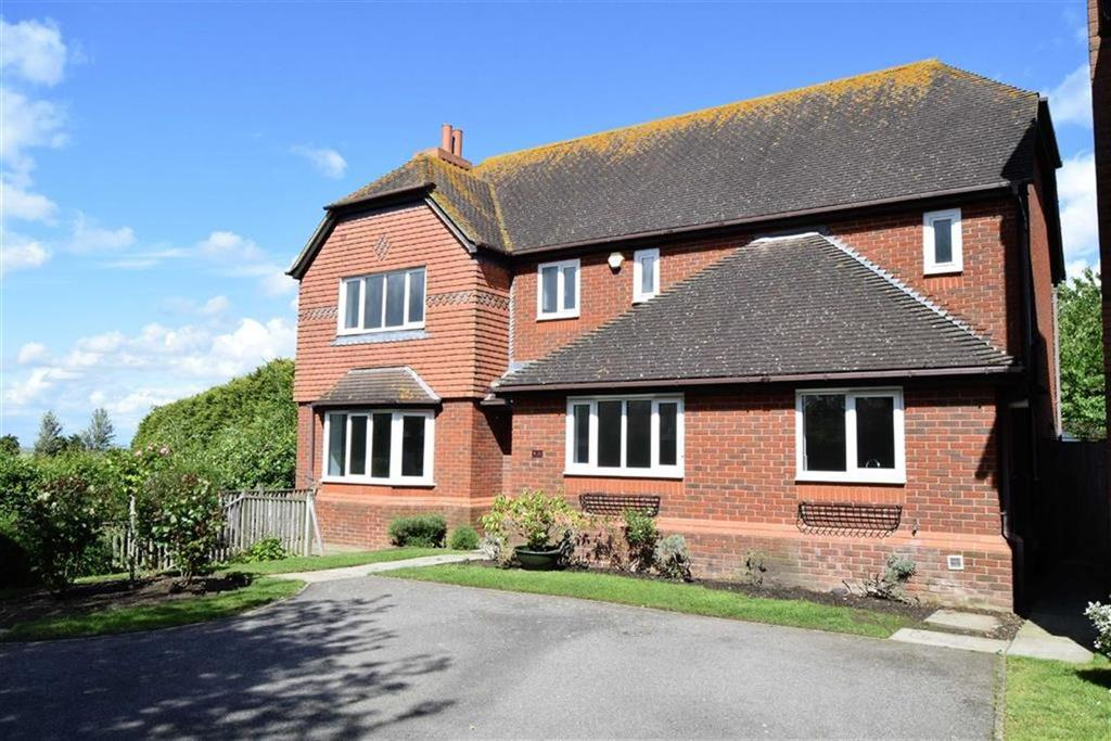 4 Bedrooms Detached House for sale in Woodruff Close, Rainham, Kent, ME8
