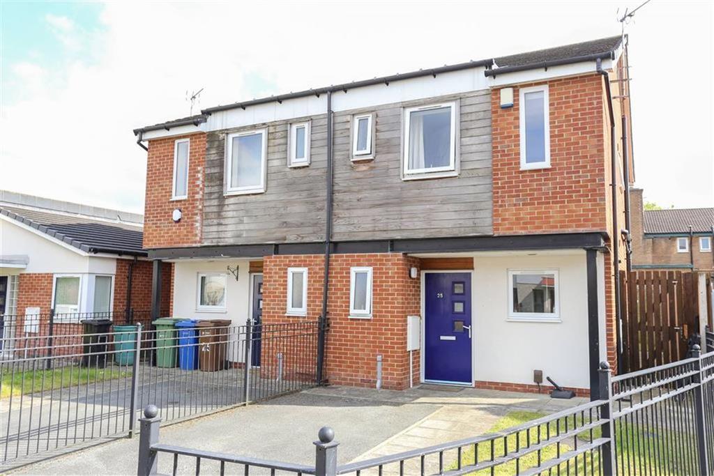 2 Bedrooms Semi Detached House for sale in Marbury Road, Heaton Chapel