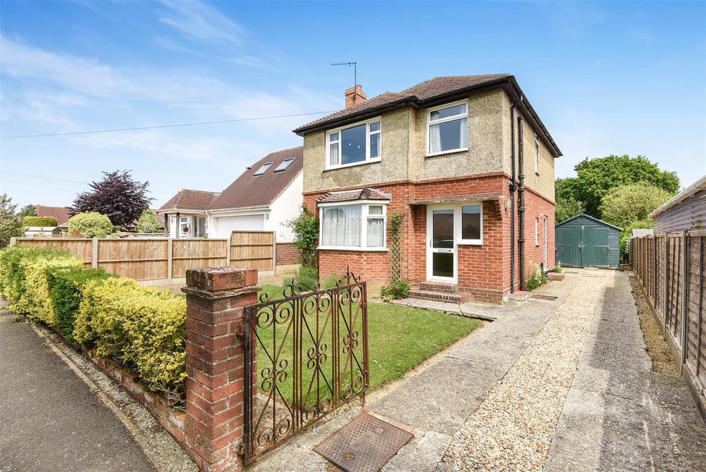3 Bedrooms Detached House for sale in Halfrey Road, Fishbourne