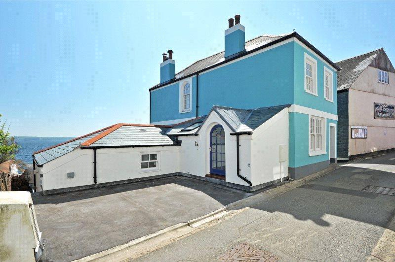 3 Bedrooms Semi Detached House for sale in Garrett Street, Cawsand, Torpoint, Cornwall, PL10