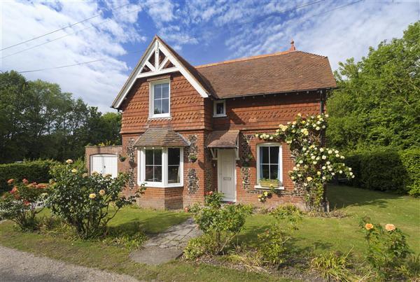 3 Bedrooms Detached House for sale in Honeysuckle Cottage, Brooke Street, Ash